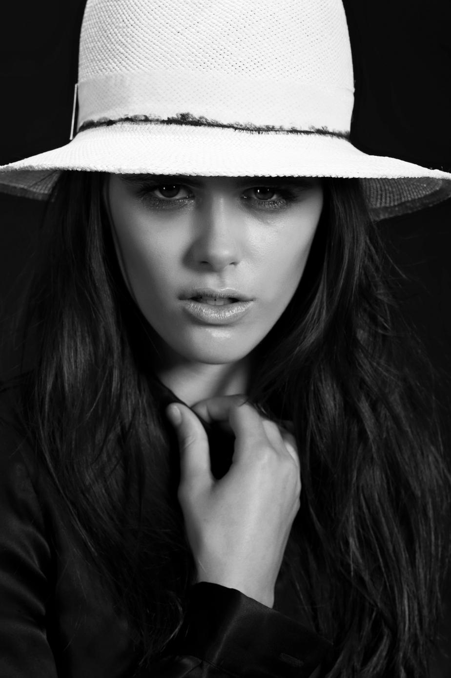 gigi burris hat